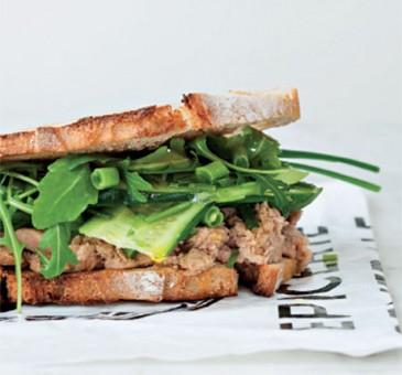 Pane casereccio + rillette di tonno + fagiolini da Sandwich gourmet di Maud Zilnyk